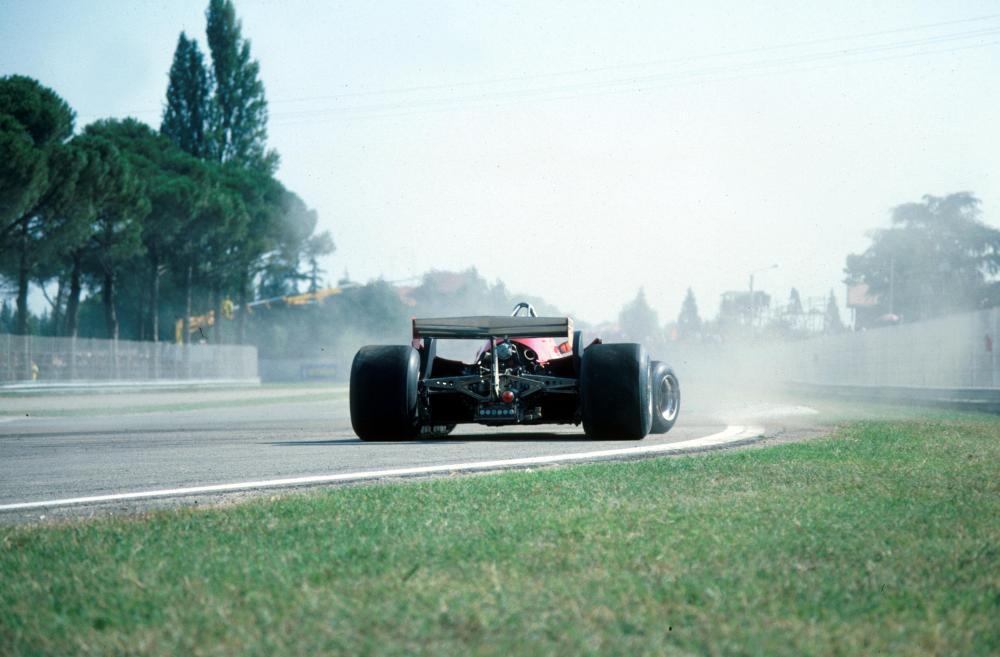 Gilles Villeneuve (CDN) Ferrari 312T5 spins in practice Italian GP, Imola, 14 September 1980 - Copyright: Alessio Mazzocco