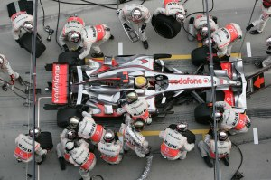 Lewis Hamilton refuelling at the Chinese GP 2008 - Copyright: eMercedesBenz