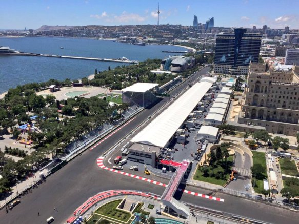 Pit straight and Paddock, European Grand Prix (Copyright @BakuCityCircuit)