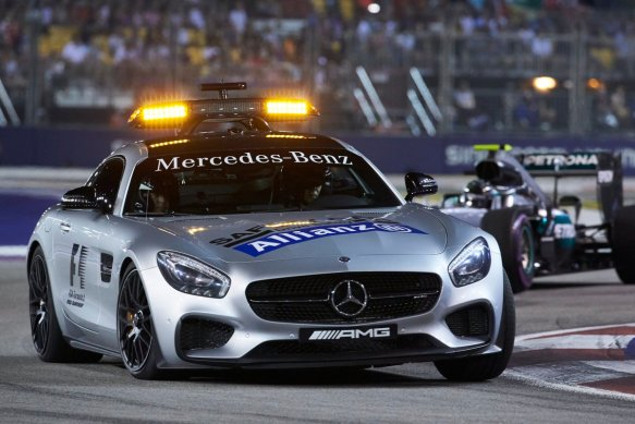 Safety car leads the Singapore Grand Prix. Copyright: Mercedes AMG F1 Team.
