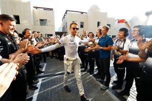 Jenson Button receives a guard of honour by McLaren ahead of his final Grand Prix. Copyright: McLaren.