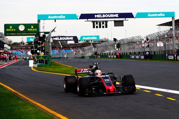 Kevin Magnussen FP2 2016 - Haas F1 Team