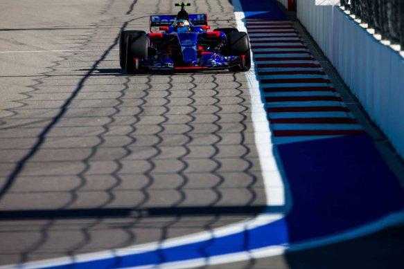 Carlos Sainz qualifying russia 2017- toro rosso
