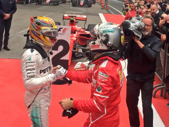 Respect, Hamilon and Vettel @ ChineseGP 2017 - Merc - https-::twitter.com:MercedesAMGF1:status:850989027444523008