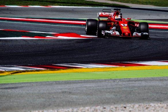 Vettel https-::twitter.com:ScuderiaFerrari:status:863750646603939840