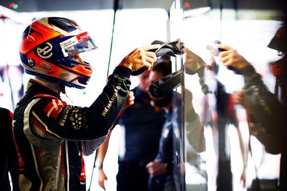 Grosjean in haas garage