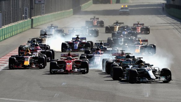Race start - Red Bull https-::twitter.com:redbullracing:status:878994009166934016