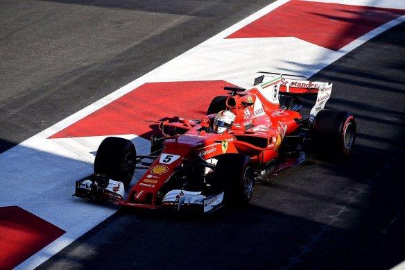 Vettel - Ferrari https-::twitter.com:ScuderiaFerrari:status:878993530676539393