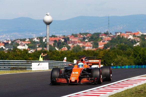 Alonso FP1 - https-::twitter.com:McLarenF1:status:890847888305160192