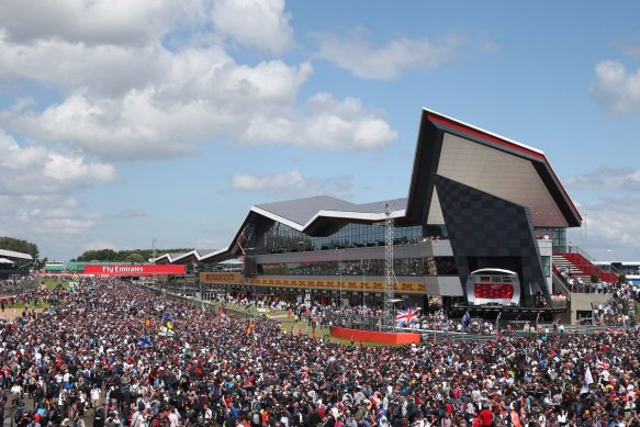 Packed Silverstone - https-::twitter.com:SilverstoneUK:status:881842939059740672