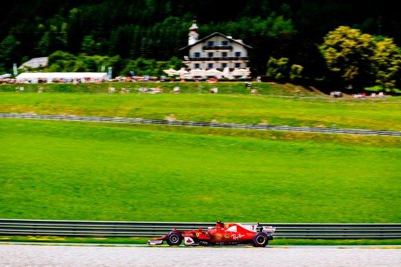 Vettel FP3 - https-::twitter.com:ScuderiaFerrari:status:883617956067987458