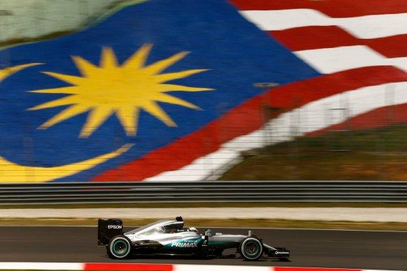 Hamilton Malaysia 2016 - https-::twitter.com:MercedesAMGF1:status:912285532012662785
